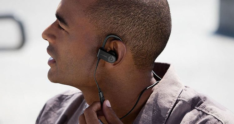 beats-powerbeats3-wireless-headphones | The Top 20 Gadgets To Buy For Father's Day 2017